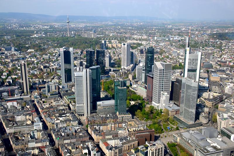 2_Skyline-Frankfurt.jpg