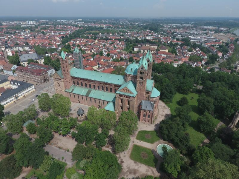 Luftbild_Dom_Speyer.JPG