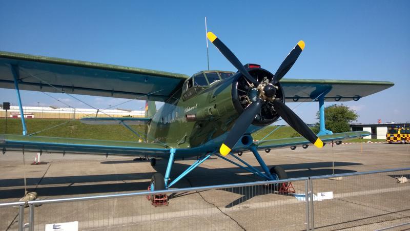 Antonov-2-EDDH.jpg