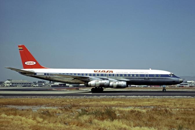 Viasa_Douglas_DC-8-50_Volpati-1.jpg