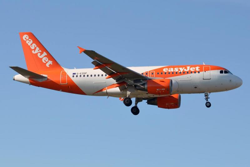 EasyJet,_G-EZDP,_Airbus_A319-111_(20817392802).jpg