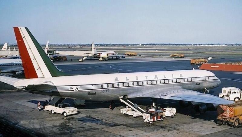Alitalia_DC8_original.thumb.jpg.6b6a6bc8e31a08308972a8b42609eedf.jpg