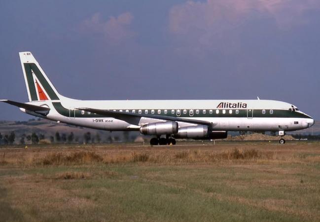 Douglas_DC-8_I-DIWK_Alitalia.thumb.jpg.a9b459c8ebce29bb5b8bda114fc2eec7.jpg