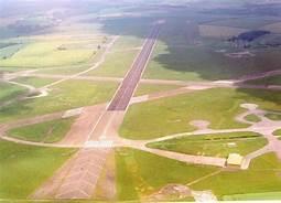 runway.jpg.03f75068bd43dc01ec40451d464b2147.jpg