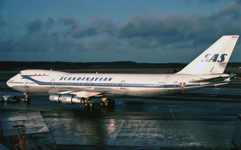 SAS_747_SE-DDL_Arlanda-dragon-livery-1977-960.jpg