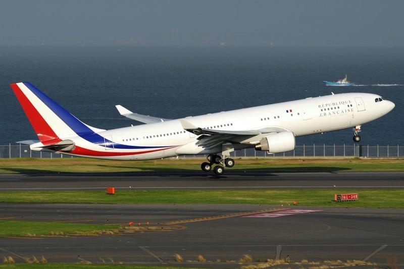 Airbus_A330-223,_France_-_Air_Force_AN2006985.jpg