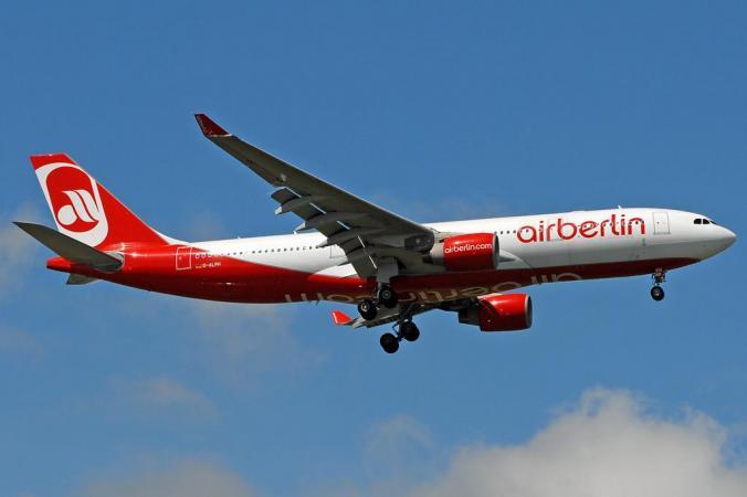 Air_Berlin_Airbus_A330-200_Prasertwit-3.jpg