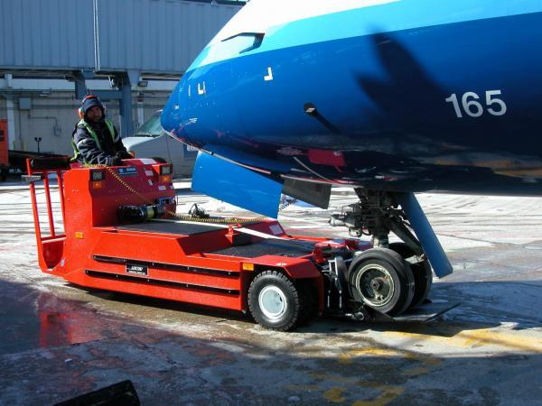 AP8750C-AL-700-US-Airways-Ex.-CRJ-1365x1024.jpg